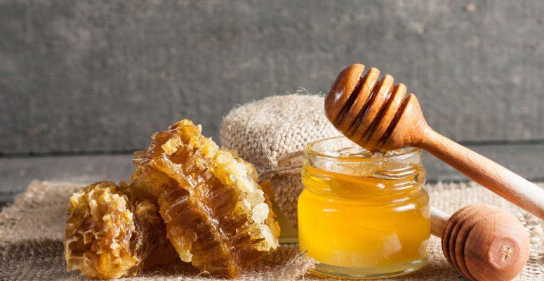 bột trái nhàu mật ong